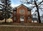 Foreclosed Home en E ROBINSON ST, Lake Crystal, MN - 56055