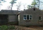 Foreclosed Home en HIGHLAND RD, Lakeville, MA - 02347
