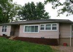 Foreclosed Home en VINELAND RD, De Soto, MO - 63020