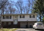 Foreclosed Home en MONMOUTH AVE, Wayne, NJ - 07470