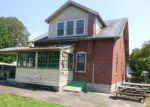Foreclosed Home en E VINE ST, Pottstown, PA - 19464