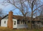 Foreclosed Home en N OKLAHOMA ST, Tryon, OK - 74875