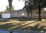 Foreclosed Home en W PRINCETON AVE, Visalia, CA - 93277