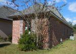 Foreclosed Home in ESTELLE DR, Denham Springs, LA - 70726