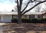 Foreclosed Home en SW ARNOLD AVE, Topeka, KS - 66614