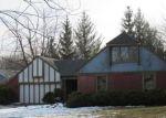 Foreclosed Home en BEARCREEK DR, Lansing, MI - 48917