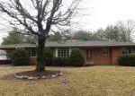 Foreclosed Home en N MEADOW RD, Evansville, IN - 47715