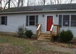 Foreclosed Home en SHANNON HILL RD, Columbia, VA - 23038
