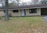 Foreclosed Home en BERKSHIRE LN, Beaumont, TX - 77707