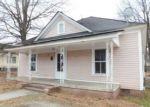 Foreclosed Home en E MOREHEAD ST, Burlington, NC - 27215