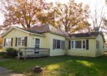 Foreclosed Home en E ORCHARD ST, Norris City, IL - 62869