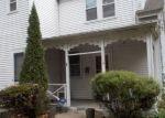 Foreclosed Home en SCHOOL LN, Trenton, NJ - 08618