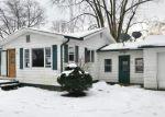 Foreclosed Home en ELIZABETH ST, Buchanan, MI - 49107