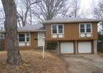 Foreclosed Home en E 93RD TER, Kansas City, MO - 64138