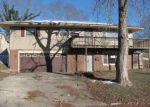Foreclosed Home en BLACK OAK RD, Alton, IL - 62002