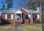 Foreclosed Home en N ASH AVE, Highland Springs, VA - 23075