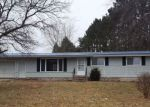 Foreclosed Home en RIVERVIEW DR, Elroy, WI - 53929