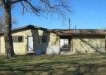 Foreclosed Home en SAN ANTONIO AVE, Seguin, TX - 78155