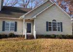 Foreclosed Home en SHAMROCK LN, Rocky Mount, NC - 27804