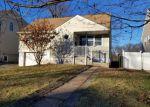 Foreclosed Home en HUDSON ST, Metuchen, NJ - 08840
