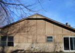 Foreclosed Home en W CHARLESTON ST, Broken Arrow, OK - 74011