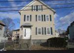 Foreclosed Home en KILMER AVE, Taunton, MA - 02780