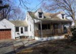 Foreclosed Home en COLLEGE ST, Chicopee, MA - 01020