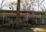 Foreclosed Home en CHITIMACHA TRL, Jeanerette, LA - 70544