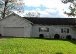 Foreclosed Home en E VAN BUREN ST, Leesburg, IN - 46538