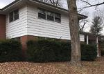 Foreclosed Home en COLUMBUS DR, Belleville, IL - 62226