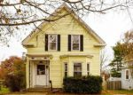 Foreclosed Home en EMMONS ST, Milford, MA - 01757