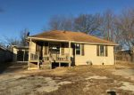 Foreclosed Home en S LESLIE ST, Independence, MO - 64050