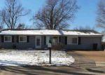 Foreclosed Home en VALIANT DR, Fenton, MO - 63026