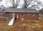 Foreclosed Home en WOODHAVEN DR, Richmond, VA - 23224