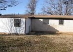 Foreclosed Home en W VALLEY DR, Iowa Park, TX - 76367