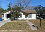 Foreclosed Home en OAKCREST DR, Pleasanton, TX - 78064