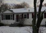 Foreclosed Home en HILLCREST AVE, Johnston, RI - 02919