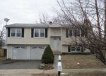 Foreclosed Home en JOANNE DR, Milford, CT - 06460