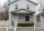 Foreclosed Home en W 36TH ST, Latonia, KY - 41015