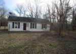 Foreclosed Home en E CRYSTLE AVE, Terre Haute, IN - 47805