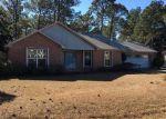 Foreclosed Home en FLINTWOOD ST, Navarre, FL - 32566