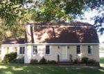 Foreclosed Home en LYMAN LN, Portland, CT - 06480