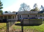 Foreclosed Home en DANIEL DR, New Haven, CT - 06513