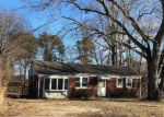 Foreclosed Home in N THOMPSON DR, Bay Shore, NY - 11706