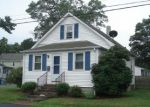 Foreclosed Home en COMMA ST, Warwick, RI - 02889