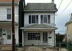 Foreclosed Home en S CHESTNUT ST, Mount Carmel, PA - 17851