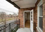 Foreclosed Home en MERRICK RD, Lynbrook, NY - 11563