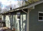 Foreclosed Home en CHETELAT DR, Ashford, CT - 06278