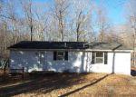 Foreclosed Home en W SHORE DR, Clinton, CT - 06413