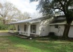Foreclosed Home en CURLIE SEAL RD, Picayune, MS - 39466